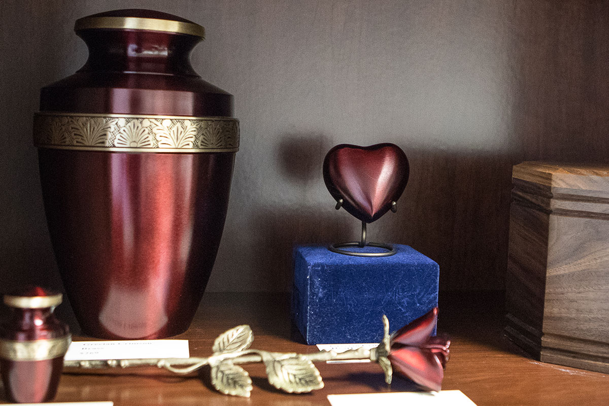 Rose colored cremation urn options